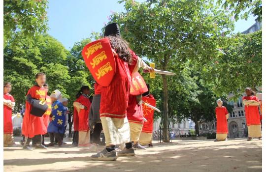 Visite privée : Balade costumée pour les enfants : Le Paris au temps des chevaliers