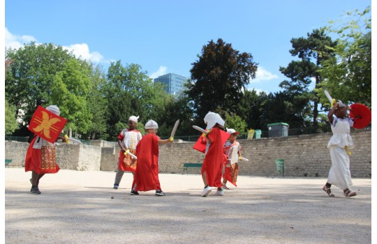 Private tour: Paris at the time of Gauls and Romans costumed tour for children